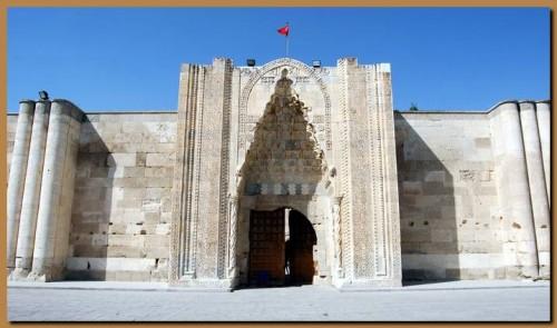 Sultanhani1.jpg